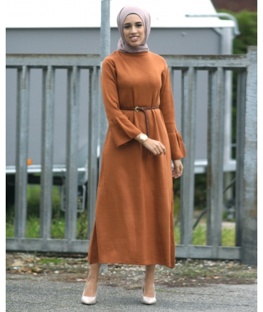 Dress with wide sleeve